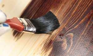 Как покрасить дверь под дерево своими руками