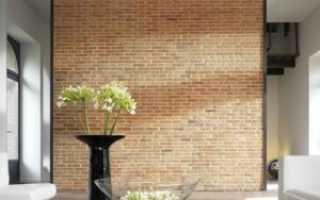 Как можно отделать кирпичную стену печи, чтобы все было безопасно и гармонично