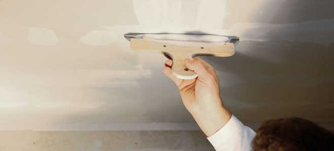 Как подготовить потолок к покраске: инструкция