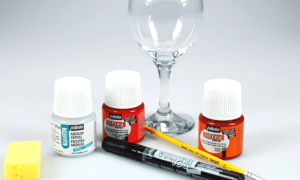 Краски по стеклу для витражей: виды и особенности использования