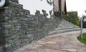 Отделка цоколя камнем: как это сделать